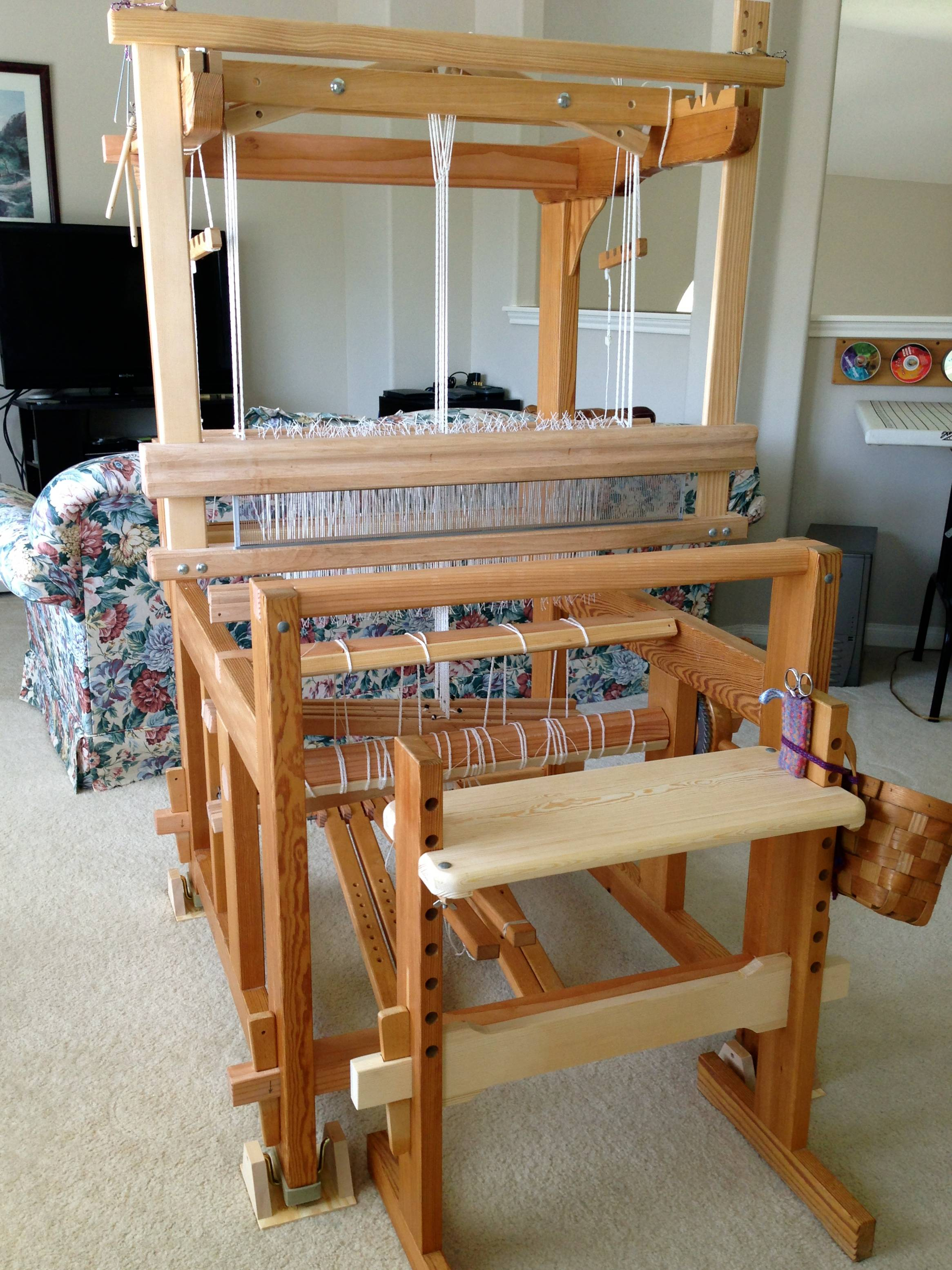 The Ideal Wardrobe: Quiet Friday: Cutest Loom Ever