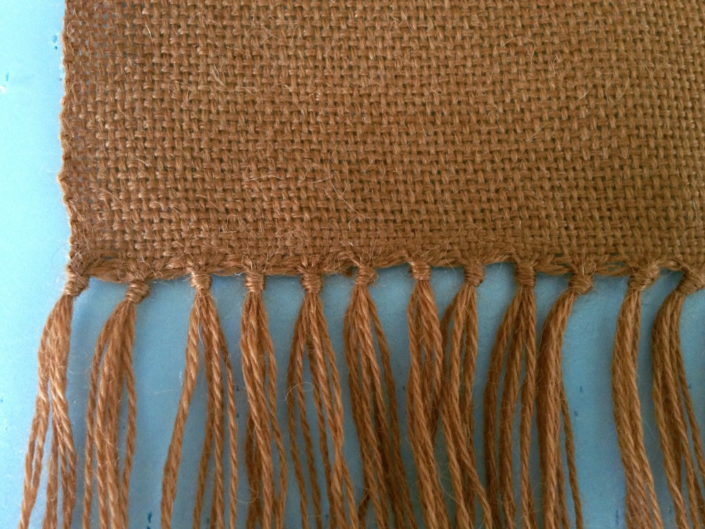 How to add lattice fringe to a row of knotted fringe. Step-by-step tutorial with pics.