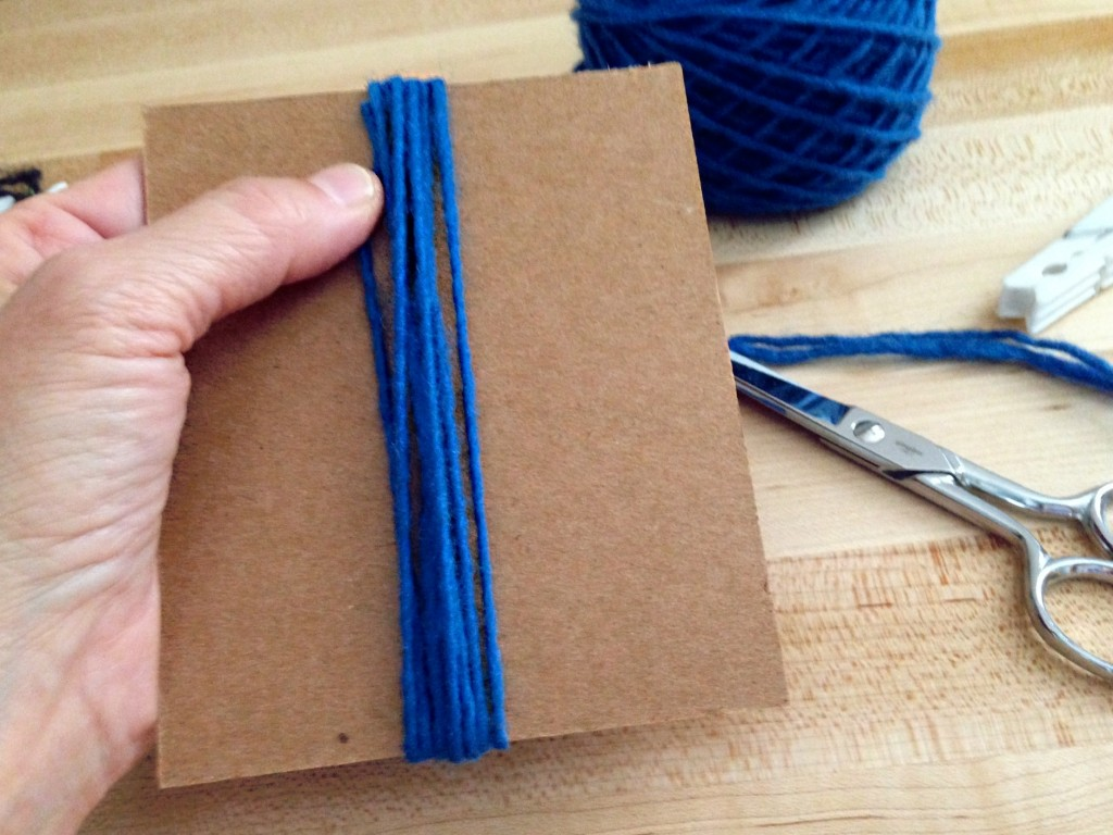 Cardboard template for cutting rya strands. How-to pics.