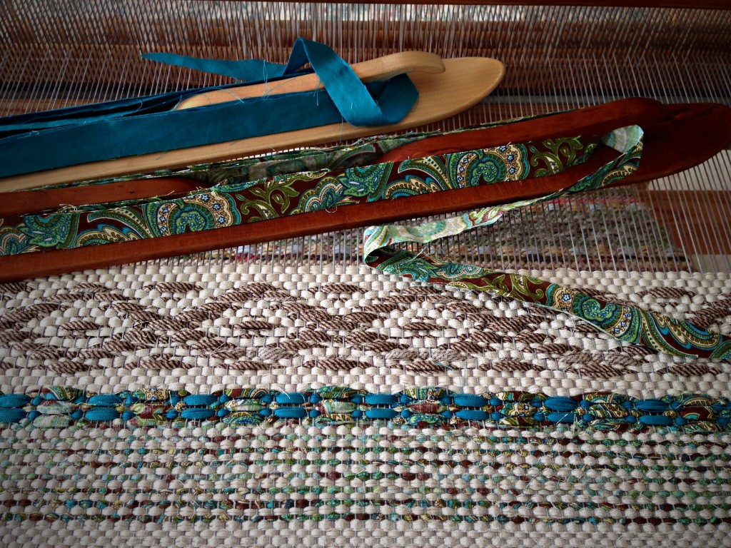 Rosepath Rag Rug on the loom. Karen Isenhower