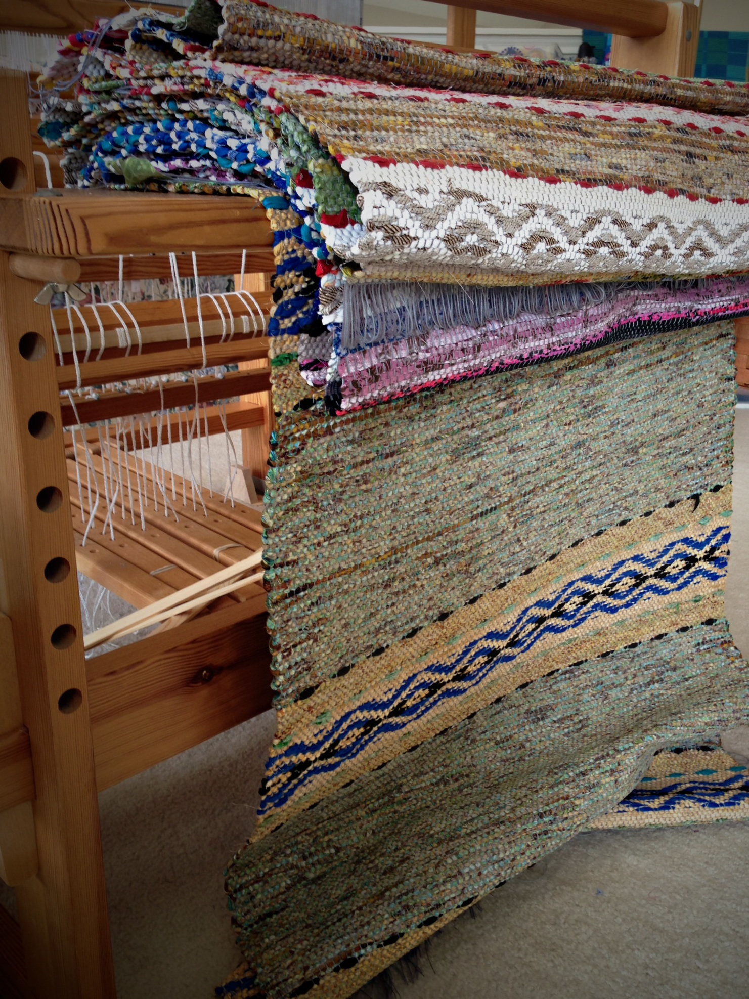 Quiet Friday: Five Rosepath Rag Rugs – Warped for Good