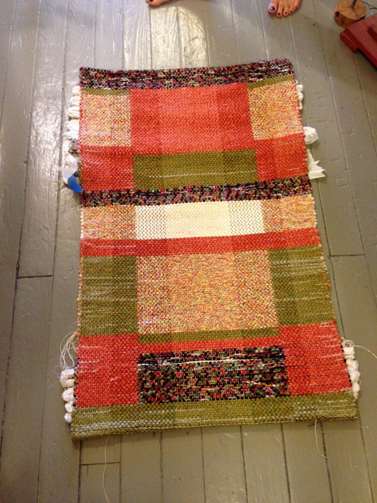 Double binding rag rug workshop.