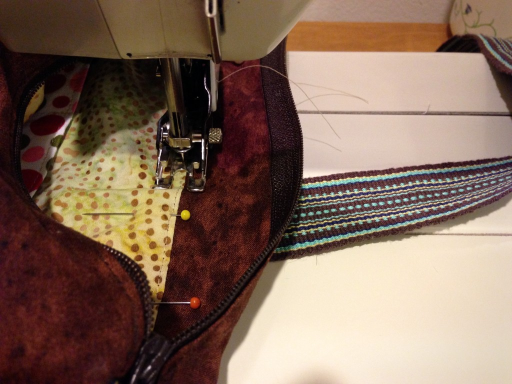Sewing lining into Handmade bag. How to.