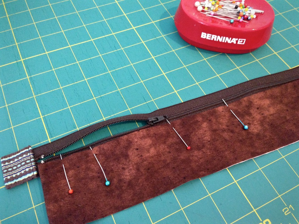 Making zippered lining for handwoven bag. Tutorial.