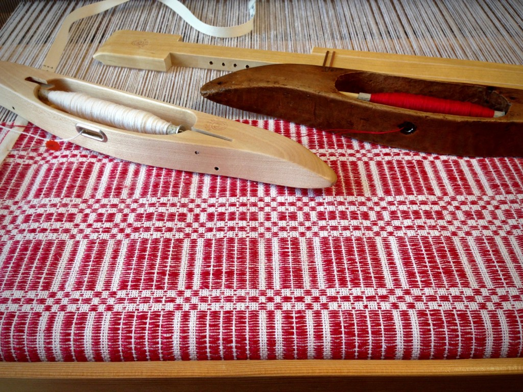 Christmas table square in halvdräll on the loom. Karen Isenhower