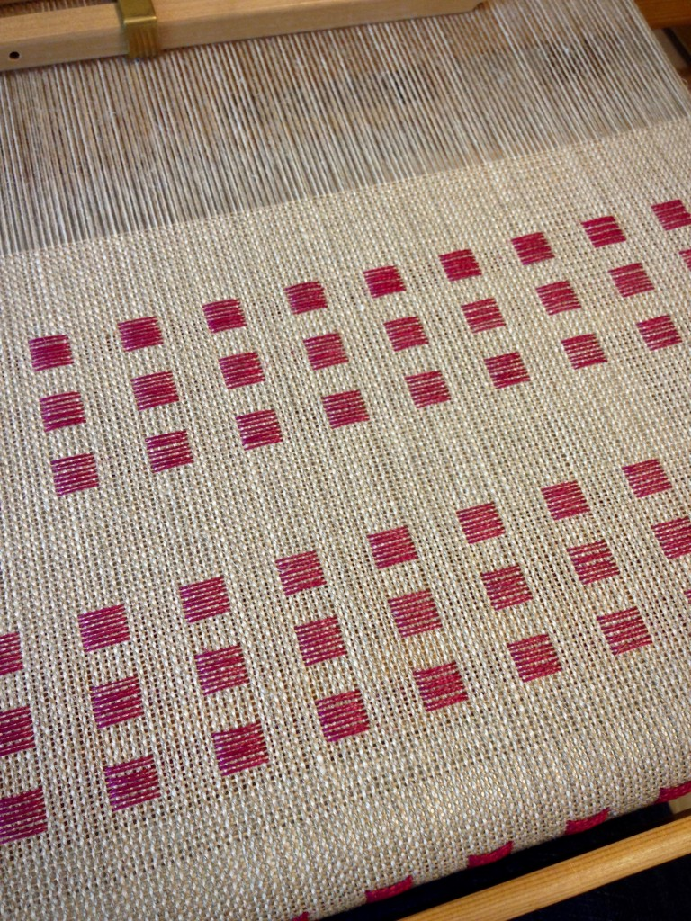 Dice weave in linen on the loom.