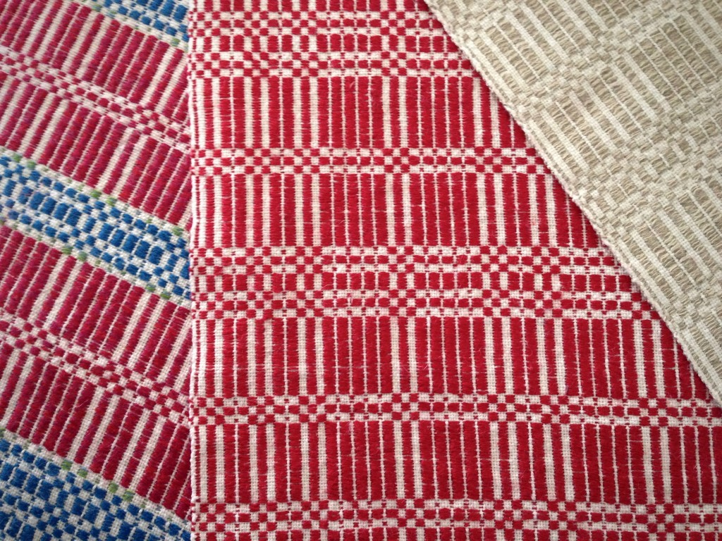 Halvdräll table squares with linen pattern weft. Karen Isenhower