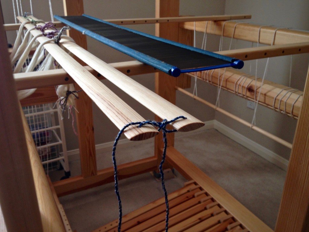 Tying lease sticks during warping process. B2F warping explained.