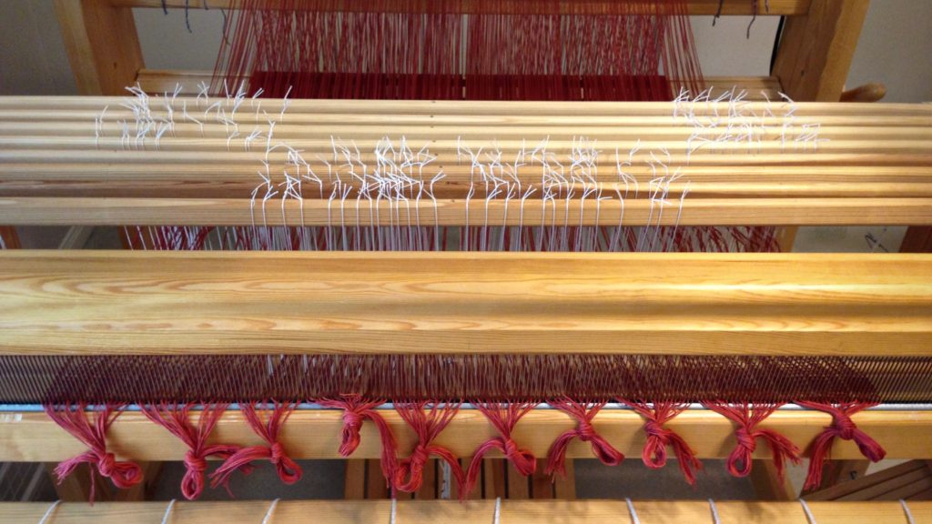 Dressing the loom for 8-shaft double binding rag rugs. Glimakra Standard