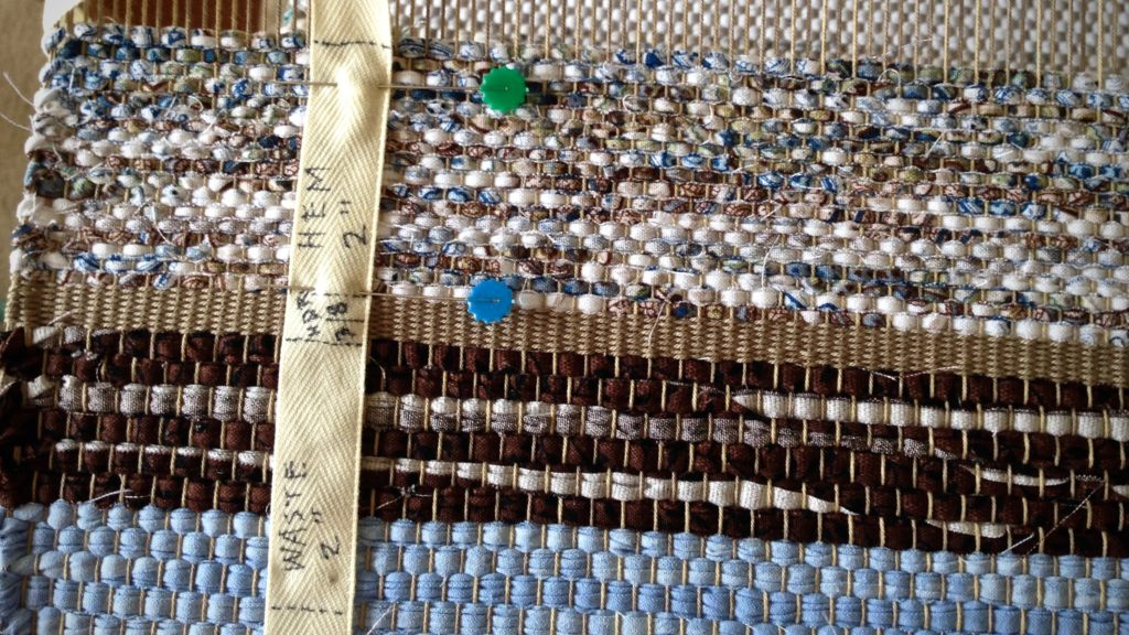 How to begin a good, sturdy rag rug!