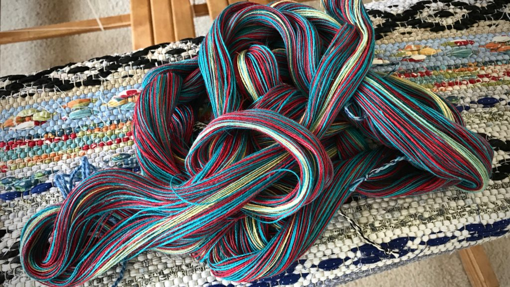 Cottolin warp chain with vibrant colors!