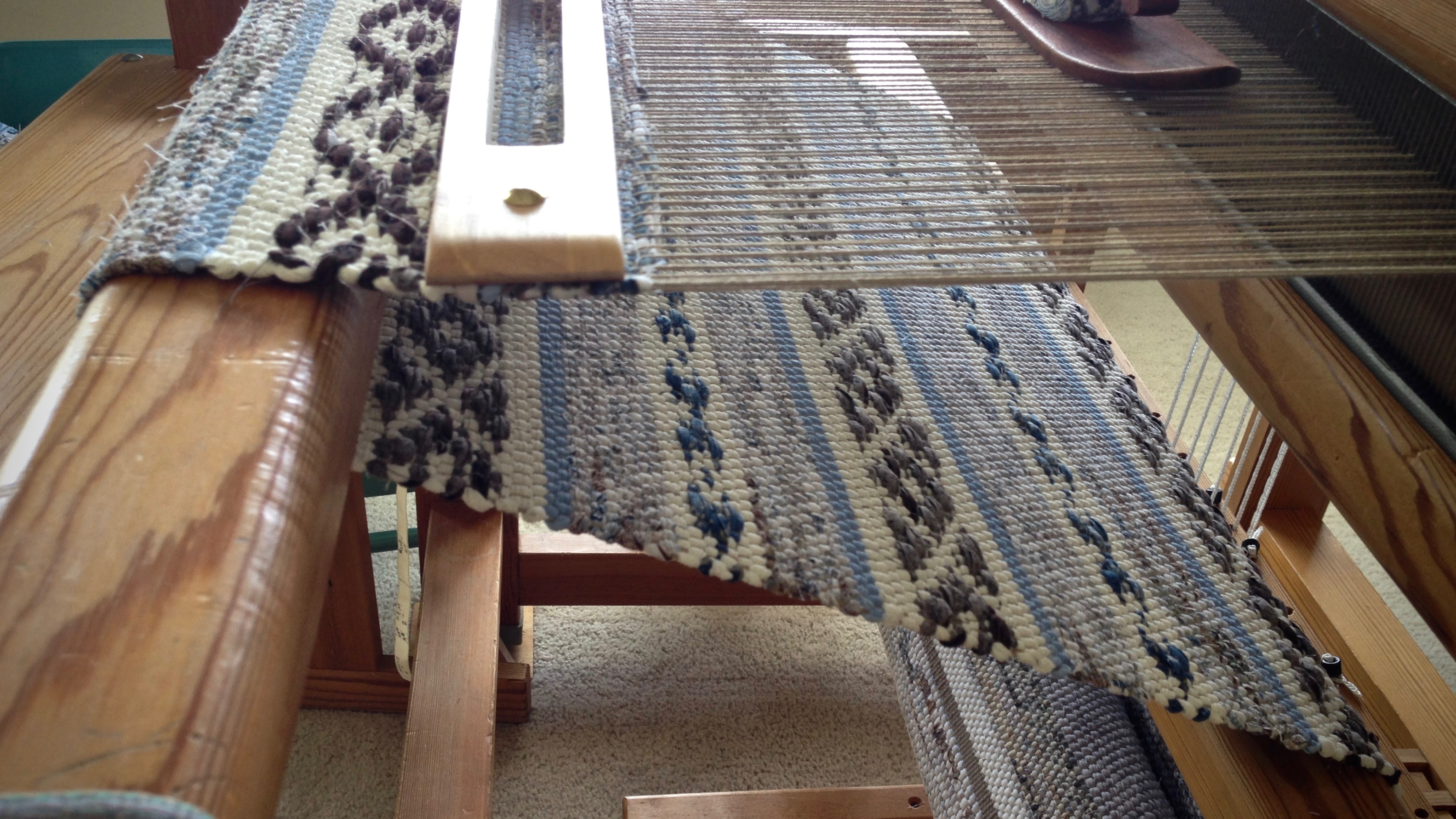 how to build a rug loom