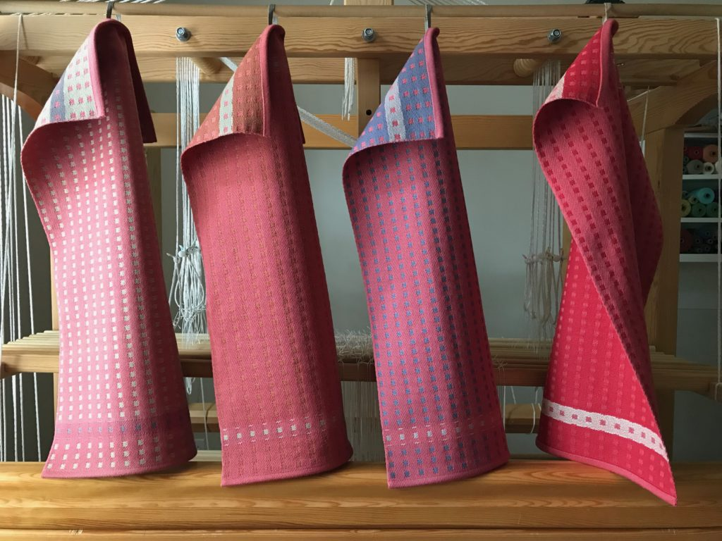 """Square Dot"" towels. Satin dräll. Karen Isenhower"