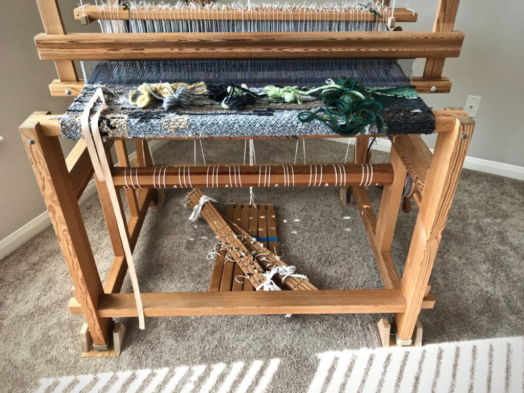 Lamms and treadles removed for moving the loom.
