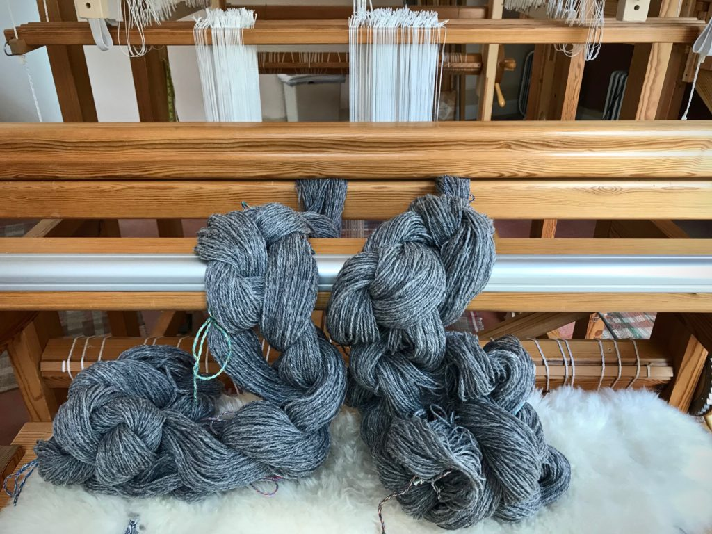 Big fat wool warp chains.