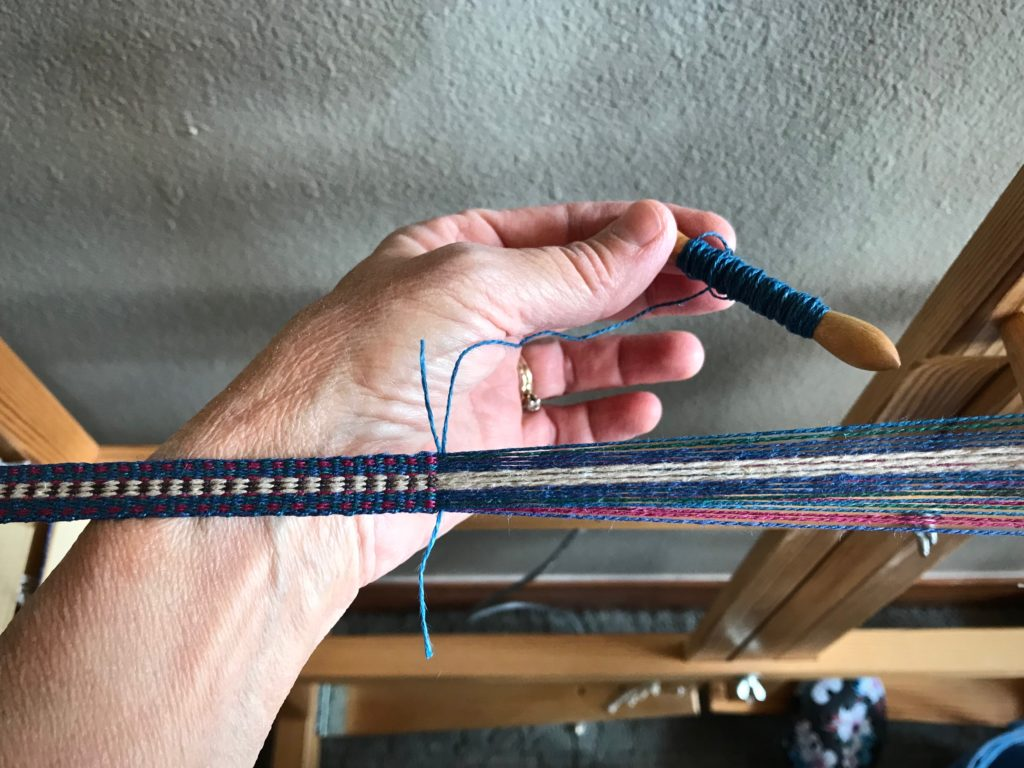 How to add a new weft. Glimakra Band Loom.
