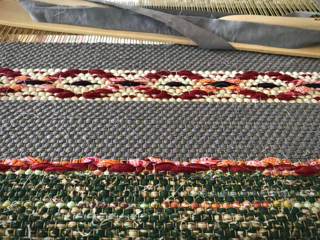 Designing a rosepath rag rug.